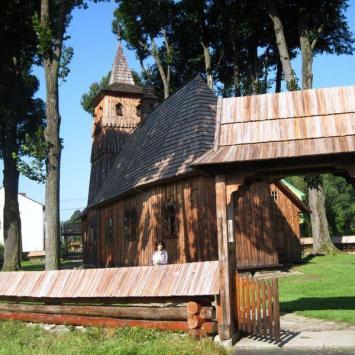 Drewniany kościół w Sromowcach Niżnych