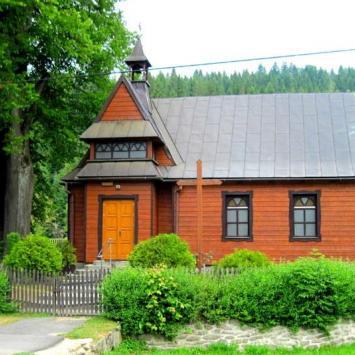 Drewniany kościół w Złatnej