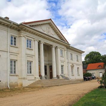 Pałac w Korczewie - zdjęcie
