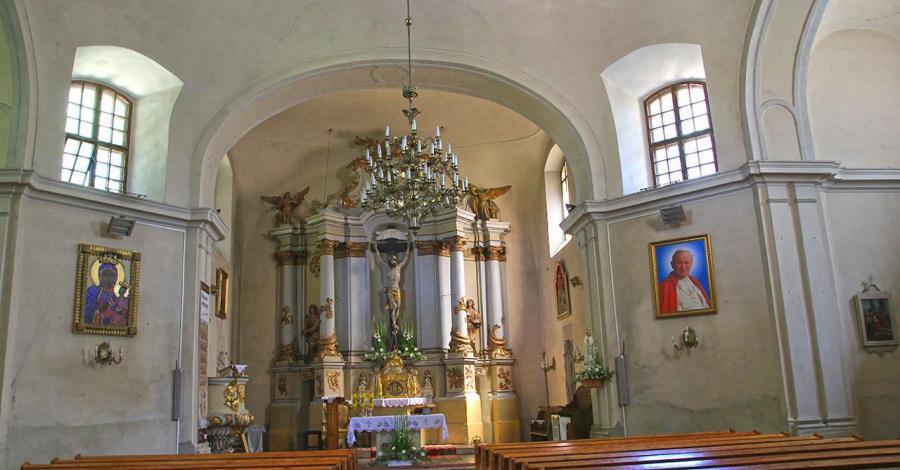 Kościół w Borzęciczkach - zdjęcie