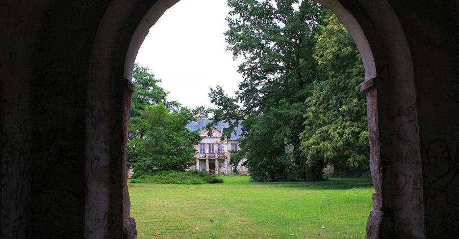 Pałac w Mordach - zdjęcie