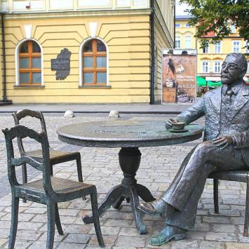 Stolik Burmistrza Rowińskiego w Ostrowie Wielkopolskim