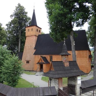 Drewniany kościół w Łopusznej