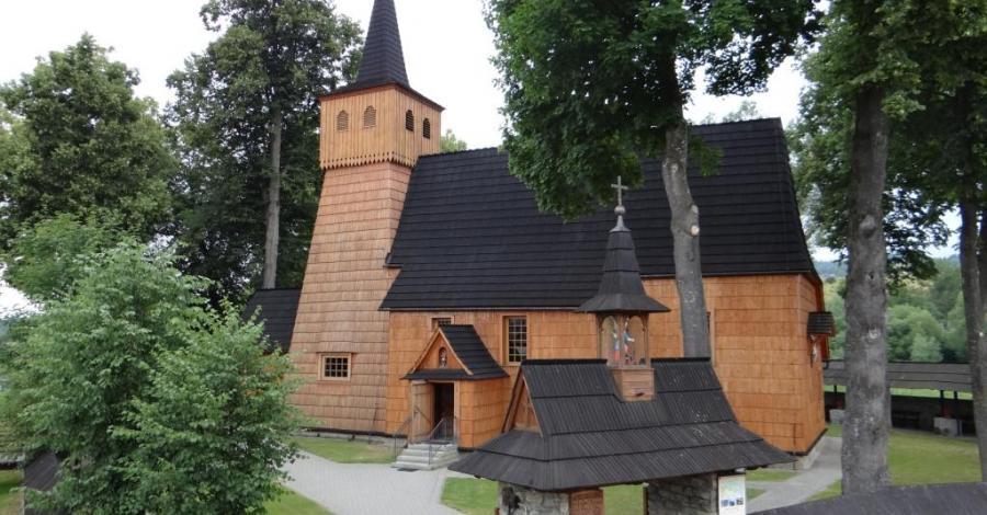 Drewniany kościół w Łopusznej - zdjęcie