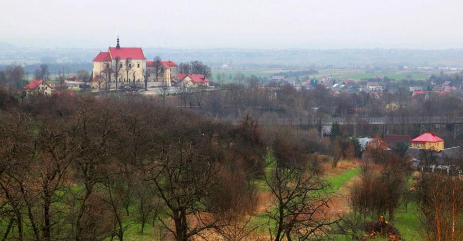 Kościół w Morawicy - zdjęcie
