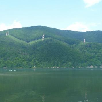 Międzybrodzie Bialskie - jezioro, góry i elektrownia