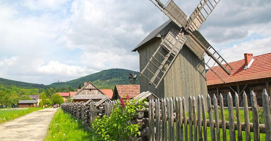 Chlebowa Chata w Górkach Małych - zdjęcie