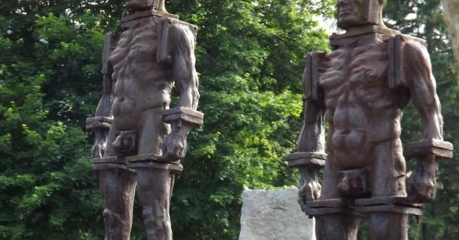 Krąg Żelaznych Ludzi w Szklarskiej Porębie - zdjęcie