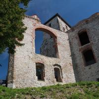 ruiny budynku mieszkalnego, przedbramia i wieży Nawojowej