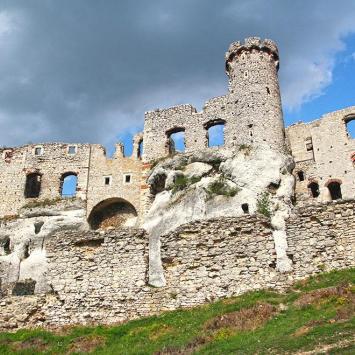 Zamek Ogrodzieniec w Podzamczu, Anna Piernikarczyk