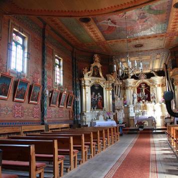 Drewniany kościół w Świniarach