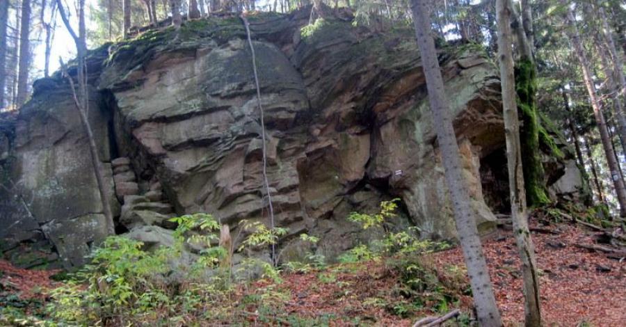 Dorkowa Skała w Beskidzie Śląskim - zdjęcie