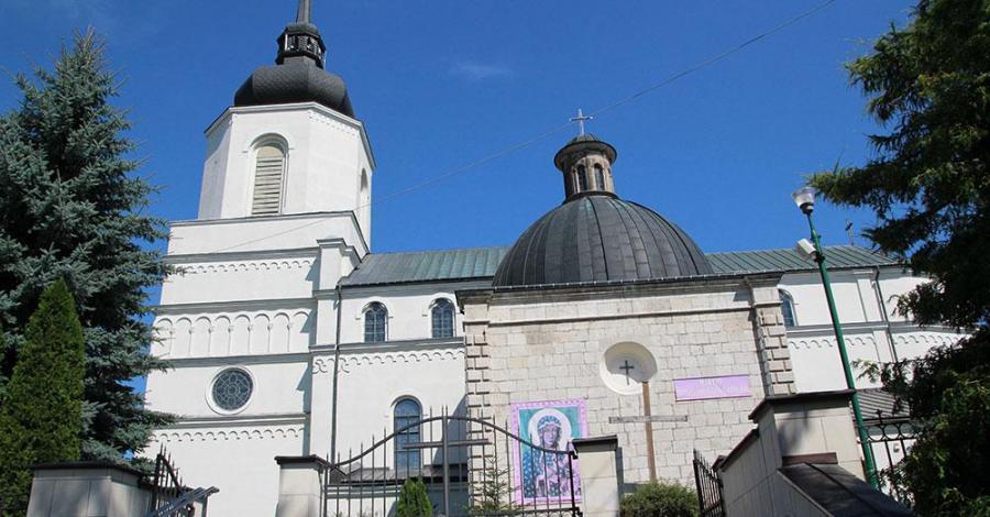 Sanktuarium w Pacanowie - zdjęcie