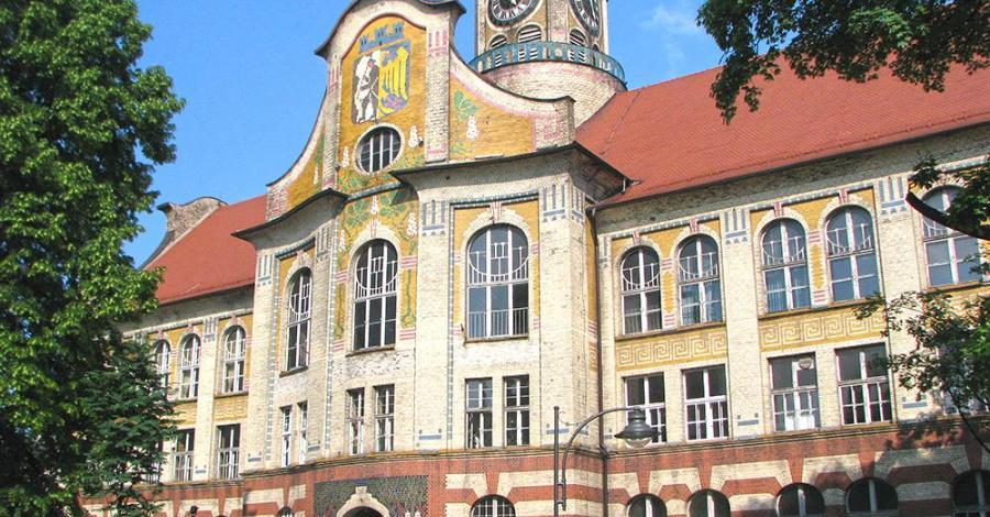 Budynek IV Liceum Ogólnokształcącego w Bytomiu - zdjęcie