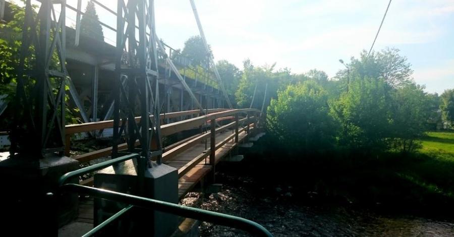 Huśtany mostek w Głuchołazach - zdjęcie