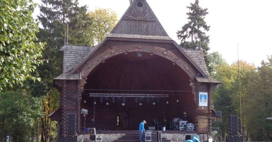 Muszla koncertowa w Ciechocinku - zdjęcie