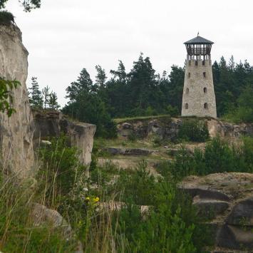 Kamieniołom i wieża widokowa w Józefowie Roztoczańskim