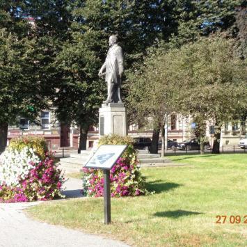 Pomnik Sienkiewicza w Słupsku