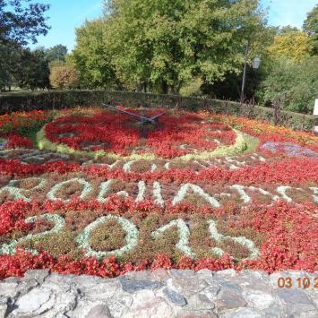 Zegar kwiatowy w Ciechocinku