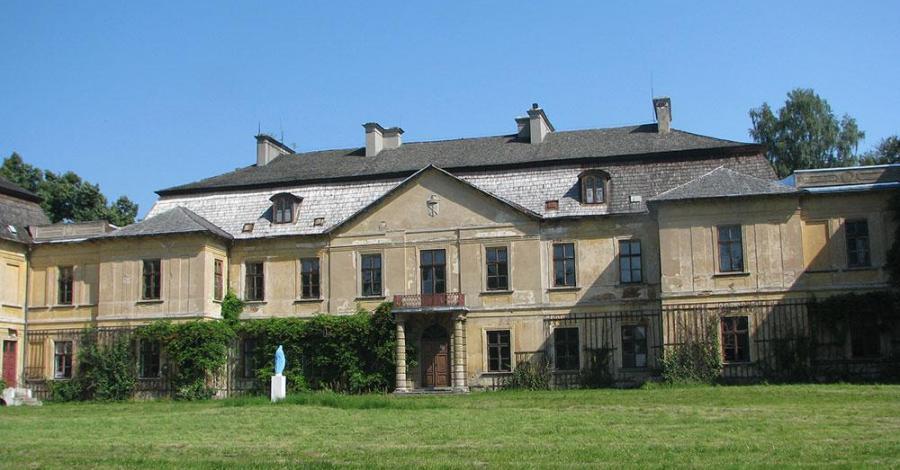 Pałac w Klemensowie - zdjęcie