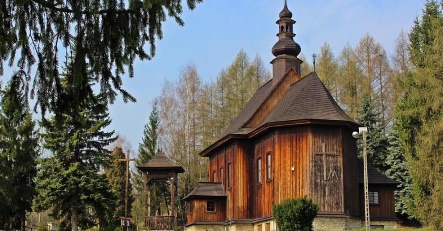 Drewniany kościół w Przesławicach - zdjęcie