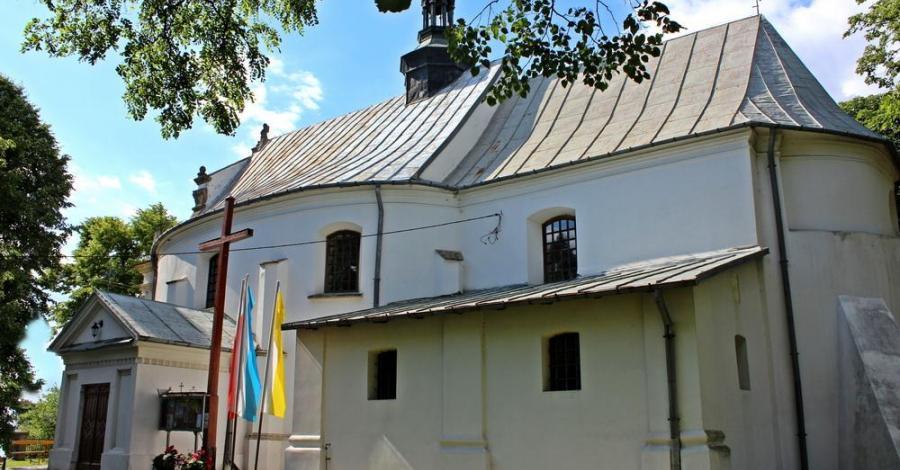 Kościół Trójcy Przenajświętszej w Samborcu - zdjęcie