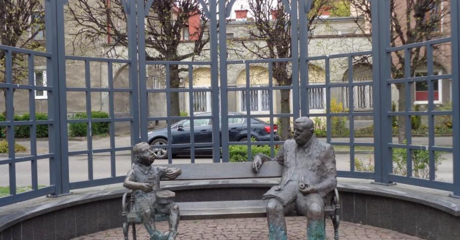 Ławeczka Guntera Grassa w Gdańsku - zdjęcie