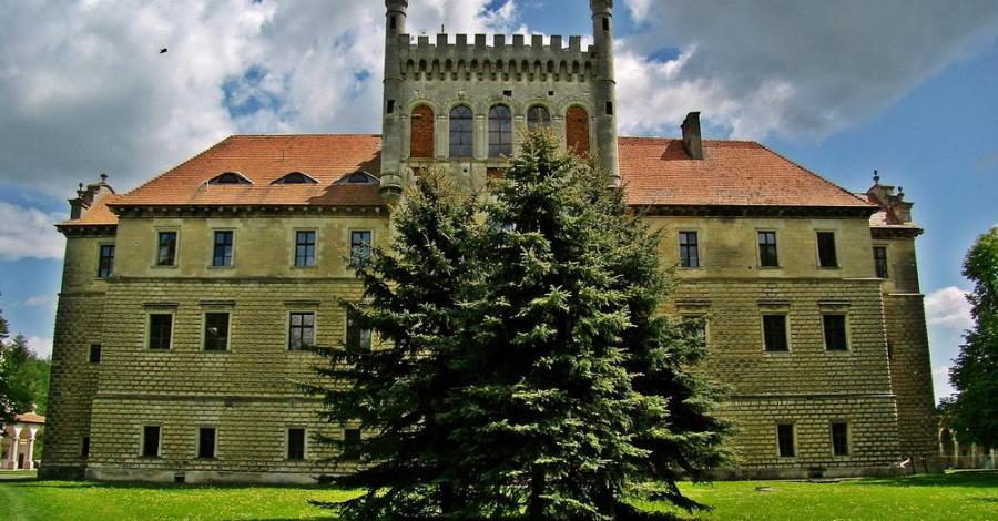 Zamek Mirów w Książu Wielkim - zdjęcie