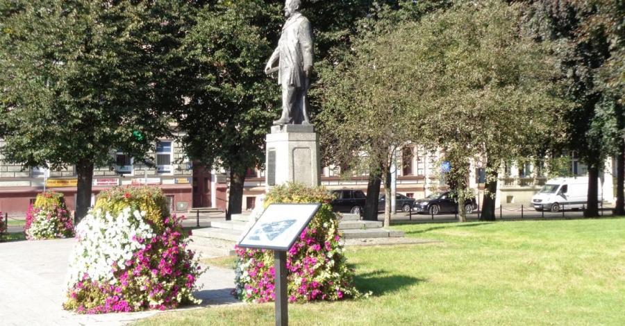 Pomnik Sienkiewicza w Słupsku - zdjęcie