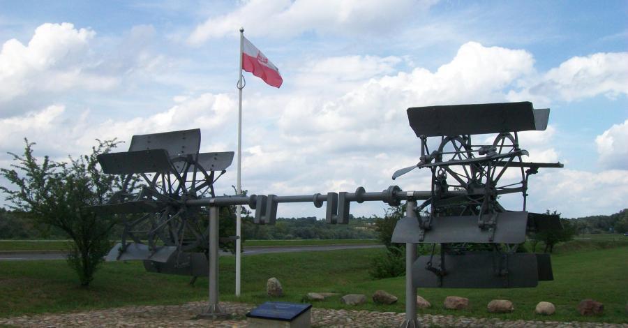 Pomnik portu w Kazimierzu Dolnym - zdjęcie