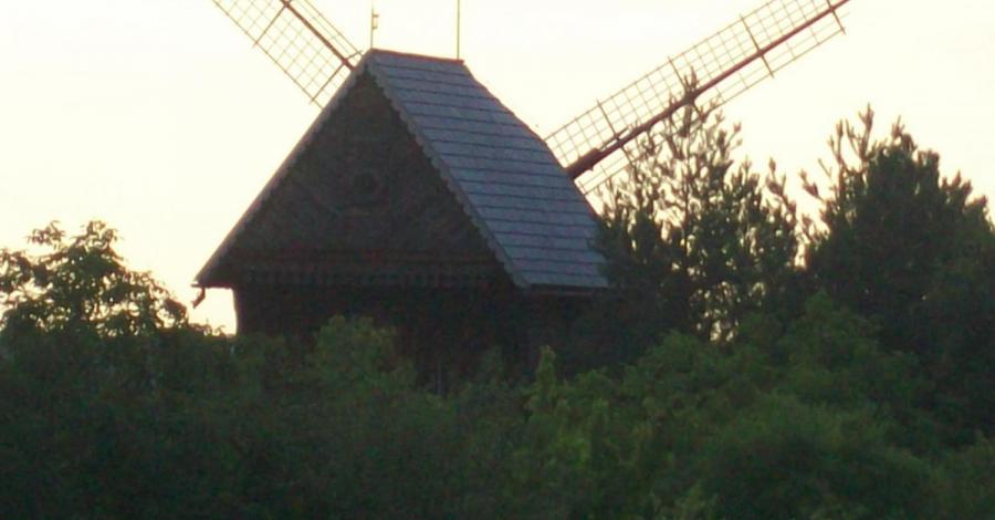 Wiatrak koźlak w Mięćmierzu - zdjęcie