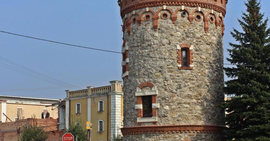 Baszta w Kazimierzy Wielkiej - zdjęcie