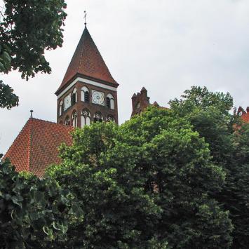Kościół poklasztorny w Nowem