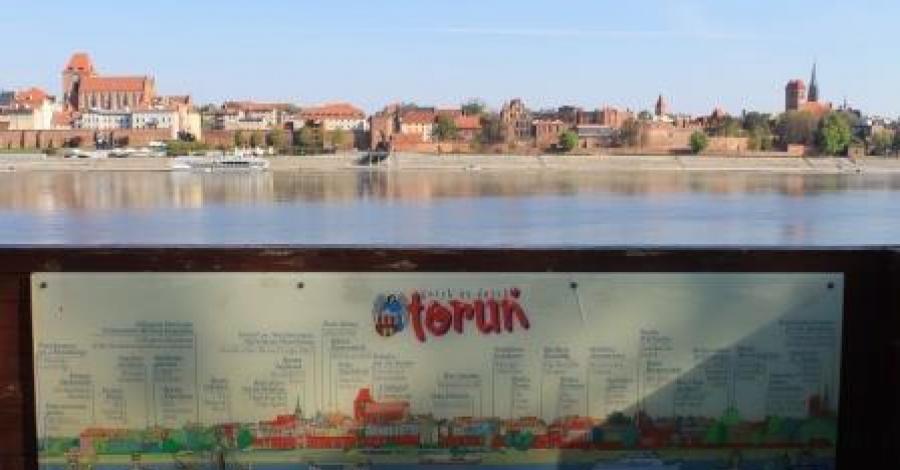 Panorama Nadwiślańska Torunia - zdjęcie