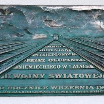 Tablica pamięci wysiedlonych mieszkańców Gdyni