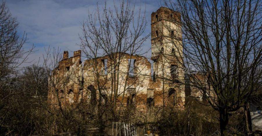 Zamek w Smolcu - zdjęcie