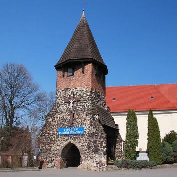 Gotycka dzwonnica w Chróścinie Opolskiej - zdjęcie