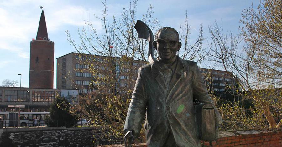 Pomnik Karola Musioła w Opolu - zdjęcie