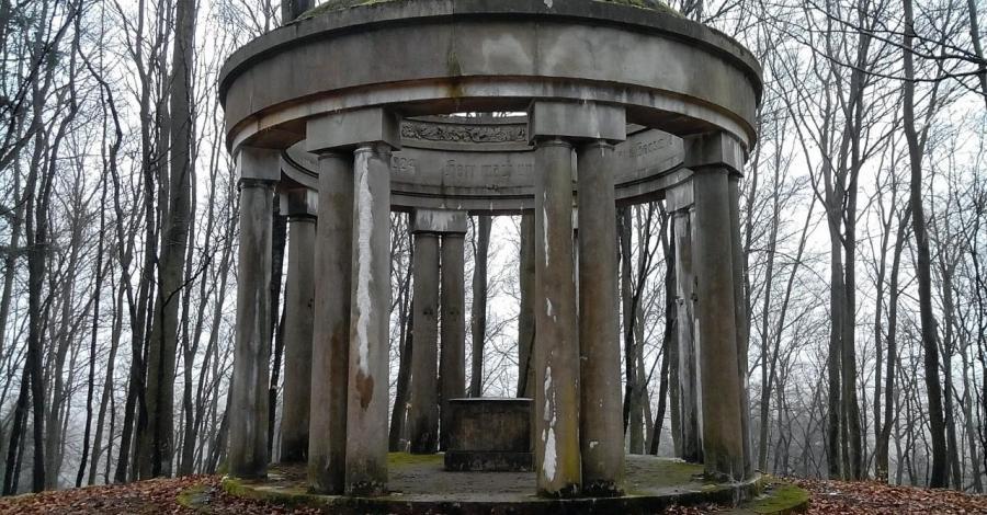 Pomnik ofiar I wojny światowej w Biesowicach - zdjęcie