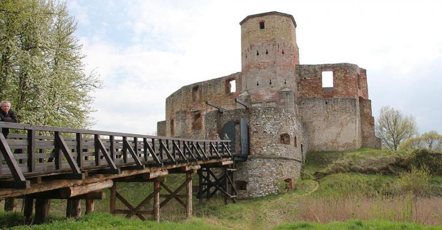 Zamek w Siewierzu, Anna Piernikarczyk