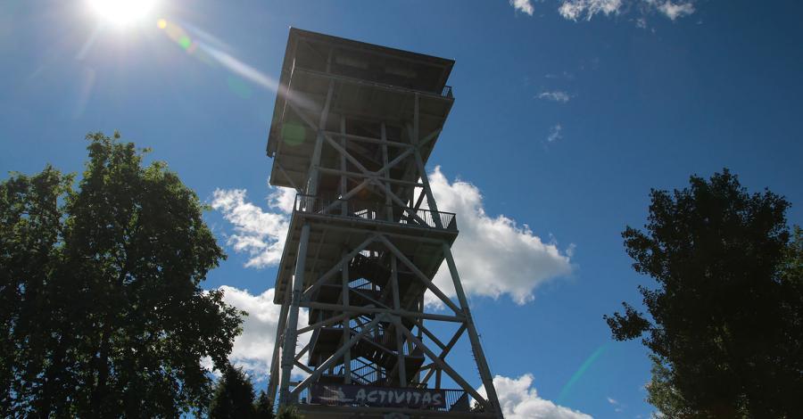 Wieża widokowa we Wdzydzach Kiszewskich - zdjęcie