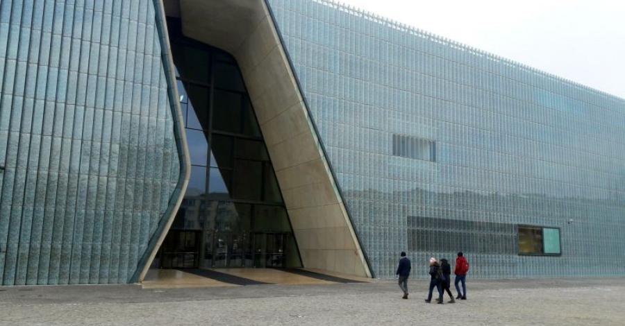 Warszawa - muzeum Polin - zdjęcie
