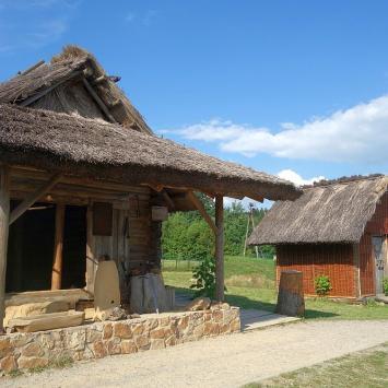 Świętokrzyskie: średniowieczna osada w Hucie Szklanej