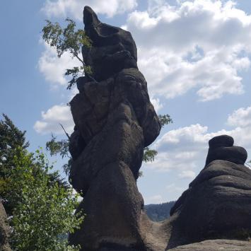 Lwia Góra i Starościńskie Skały