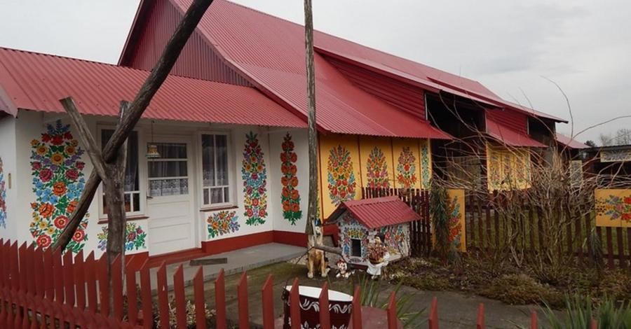 Zalipie- wieś kwiatem malowana i na deser Pacanów, Kamyczki