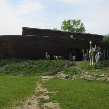 Pławna-Zamek Śląskich Legend i Arka Noego