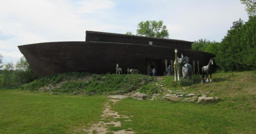 Pławna-Zamek Śląskich Legend i Arka Noego, marian