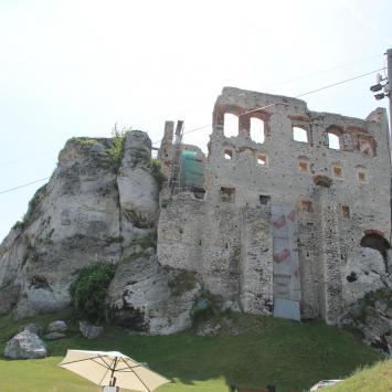 Zamek Ogrodzieniec i gród na Górze Birów