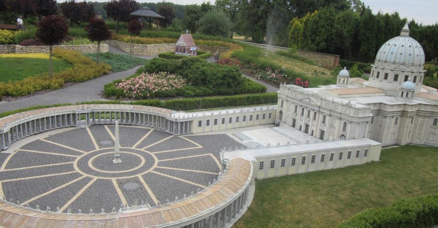 Park Miniatur Sakralnych w Olszowie, marian