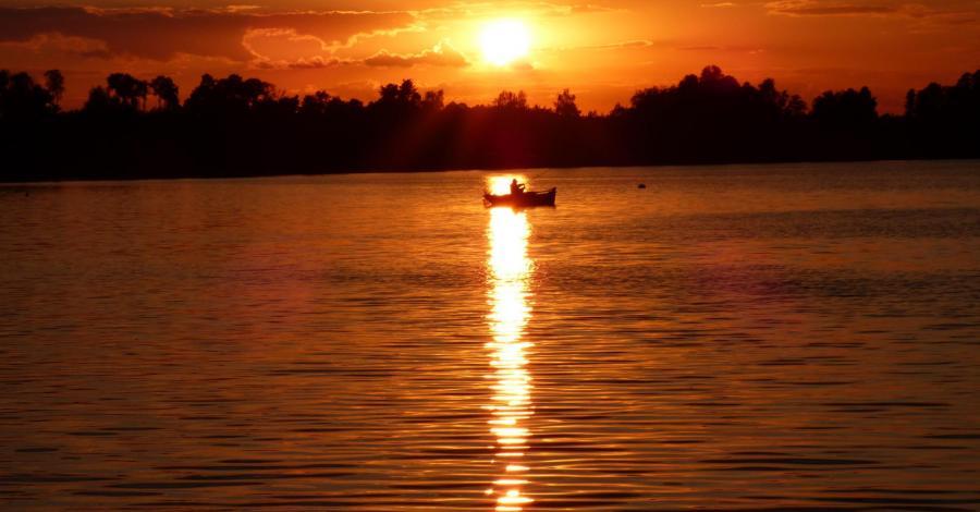 Okuninka jezioro białe - zdjęcie